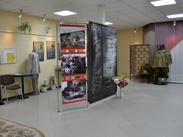 Передвижная выставка «Музейное фотоателье «В одном строю» из фондов МБУК «МРЦ» г.Ноябрьска и МБУК «ХИКМ»
