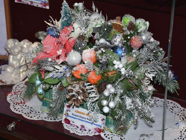 Выставка творческого конкурса «Рождественское чудо»