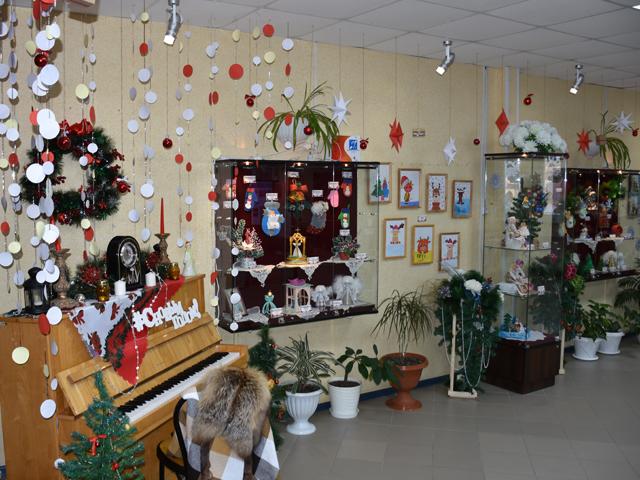 На выставке представили больше 100 работ, в различных техниках