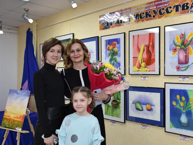 В ханымейском музее открыта выставка работ воспитанников ДШИ