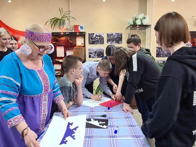 «Код древнего народа» познакомит школьников с историей и культурой этносов Ямала